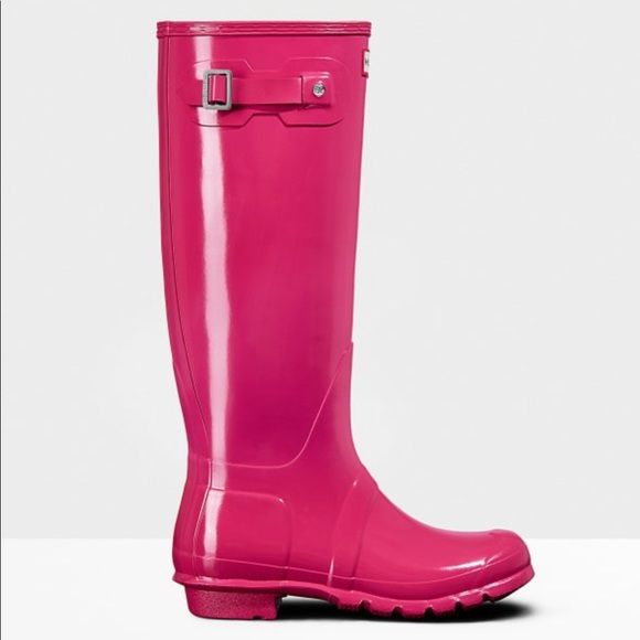 check out brand new shades of Hunter pink rain boots